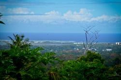 Maisema kukkulalta Samoalla